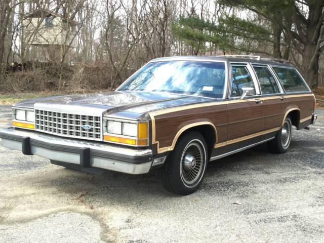 1987 Ford LTD Country Squire