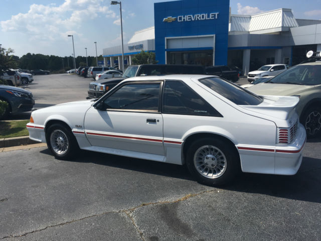 1987 ford mustang gt 5 0 excellent condition white red sunroof 50k miles. Black Bedroom Furniture Sets. Home Design Ideas