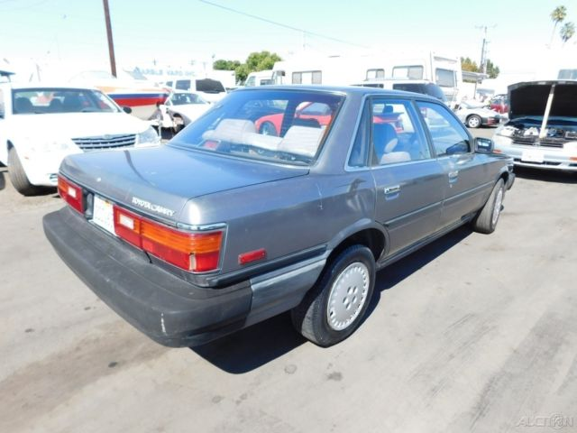 1987 used 2l i4 automatic 16v toyota camry no reserve. Black Bedroom Furniture Sets. Home Design Ideas