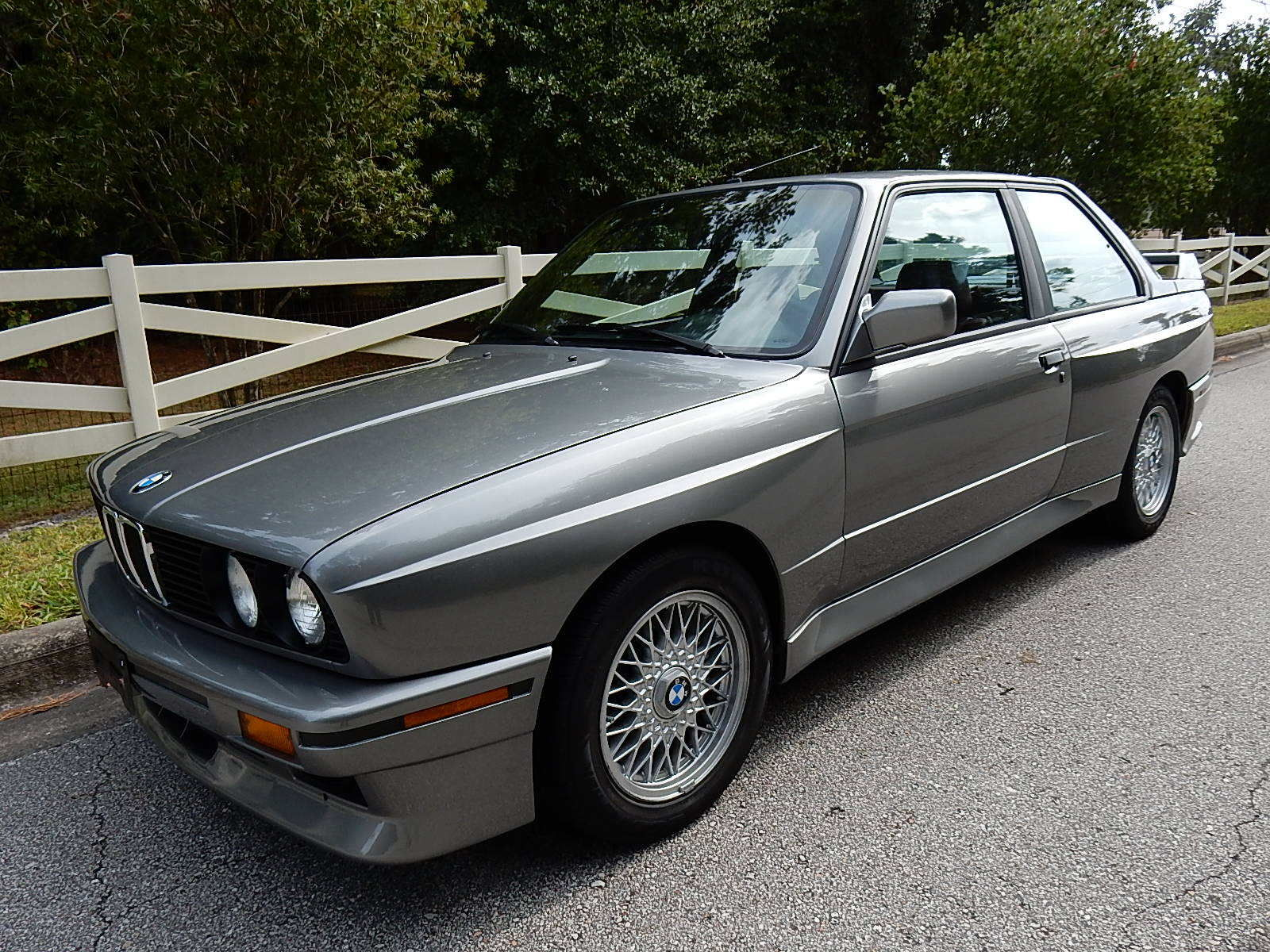 1988 bmw e30 m3 in lachssilber metallic with stunning. Black Bedroom Furniture Sets. Home Design Ideas