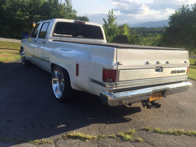 1988 Chevy Dually Lowered Squarebody C30