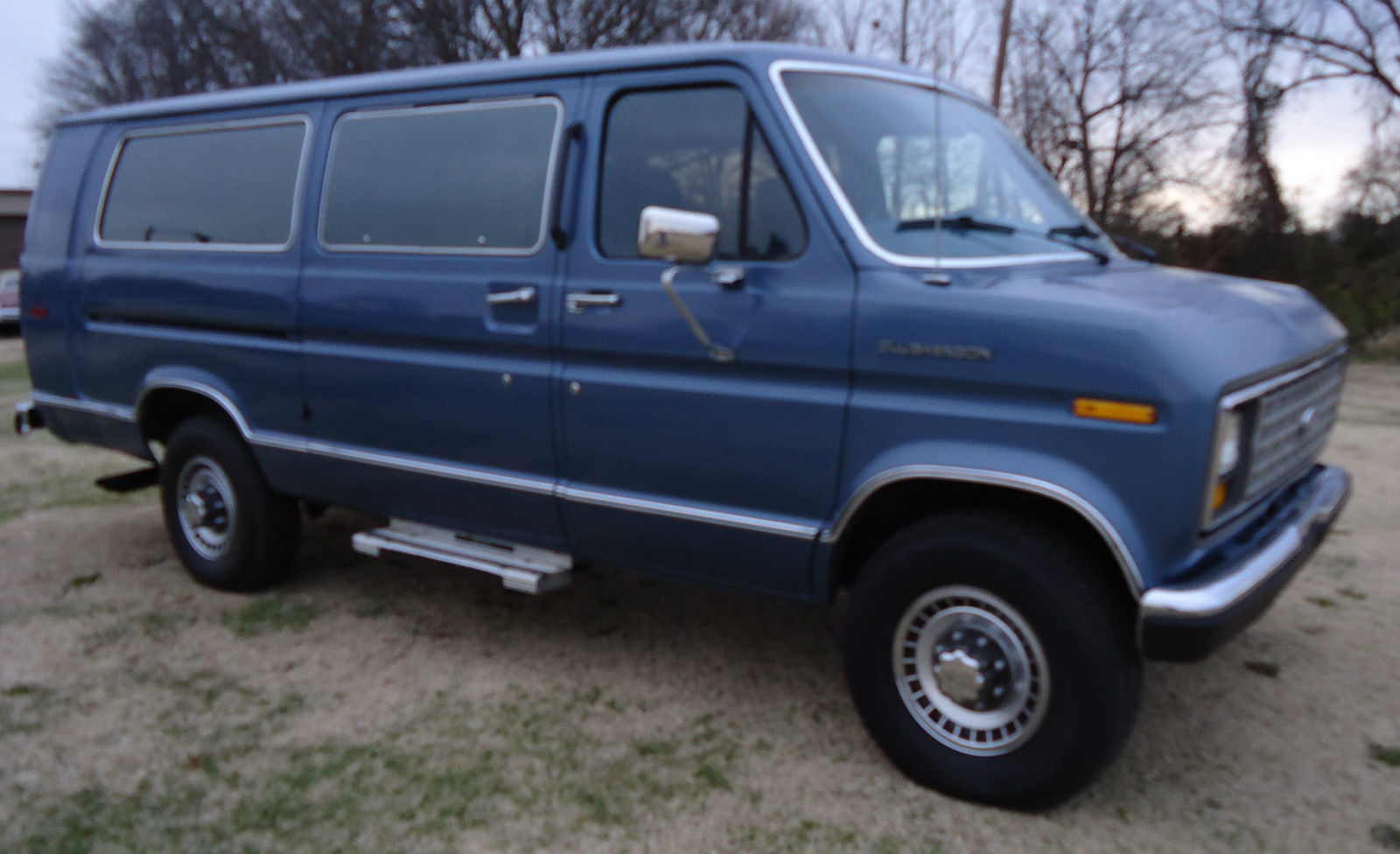 1988 ford e 350 club wagon xlt one ton 15 passenger extended van low miles. Black Bedroom Furniture Sets. Home Design Ideas