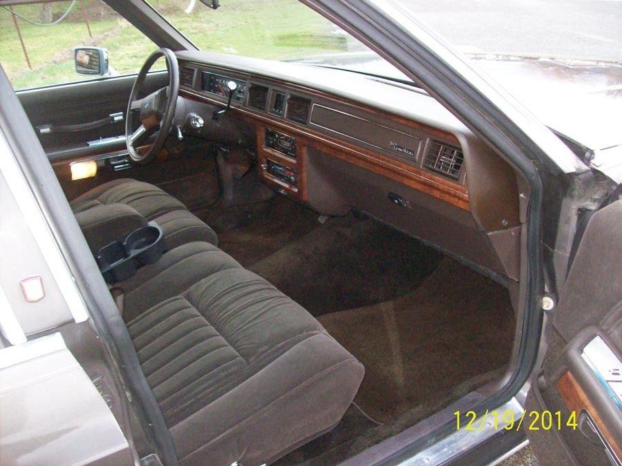 1988 Ford LTD Crown Victoria LX Wagon 4-Door 5.0L