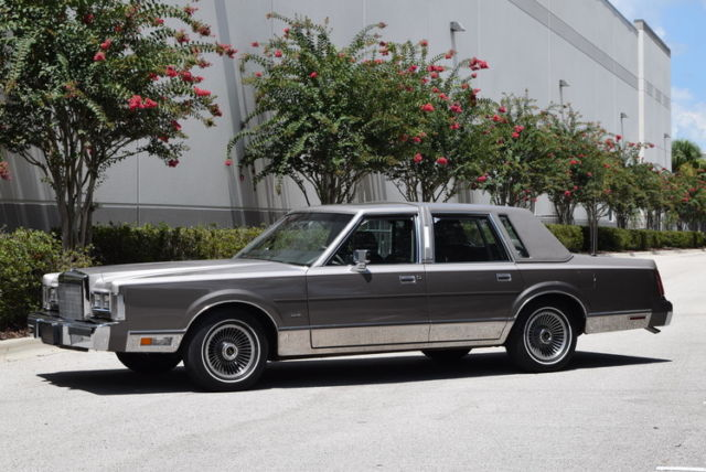 1988 Lincoln Town Car Cartier Edition 44 000 Miles