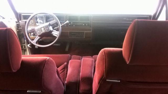 1988 Lincoln Town Car Signature Sedan 4 Door 5 0l Ford Mustang Crown