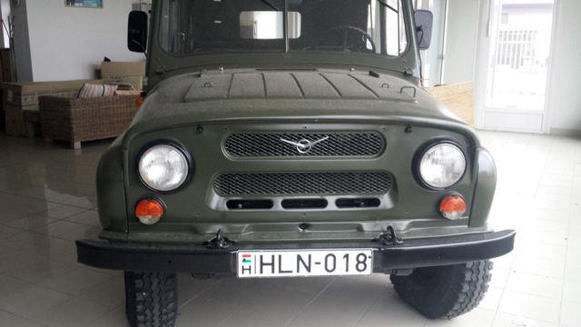 1988 uaz 469 7 seater soft top rare russian military 4x4 4000 orig miles. Black Bedroom Furniture Sets. Home Design Ideas