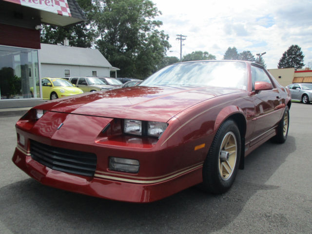 1989 chevrolet camaro rs 1 owner 10 972 miles museum quality look. Black Bedroom Furniture Sets. Home Design Ideas