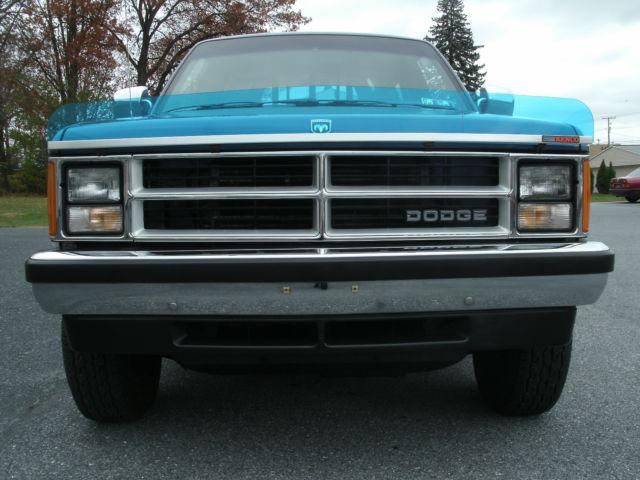 1989 dodge dakota se 4x4 3 9l v6 100 original excellent condition truck. Black Bedroom Furniture Sets. Home Design Ideas