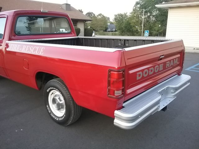 1989 Dodge Ram D150 3 9l V6 Auto Fire Department