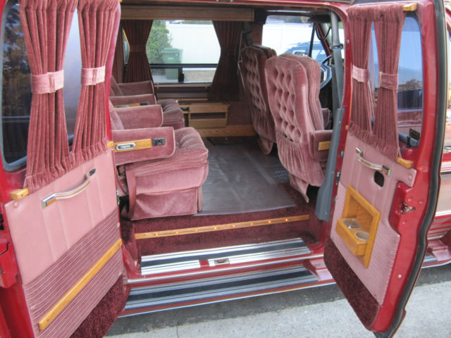 1989 Ford Econoline 150 Discovery Conversion Van Only