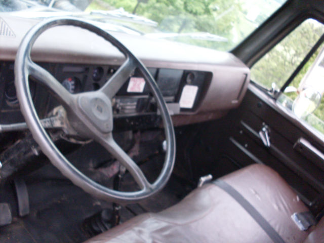 1989 International S1600 20 Flatbed