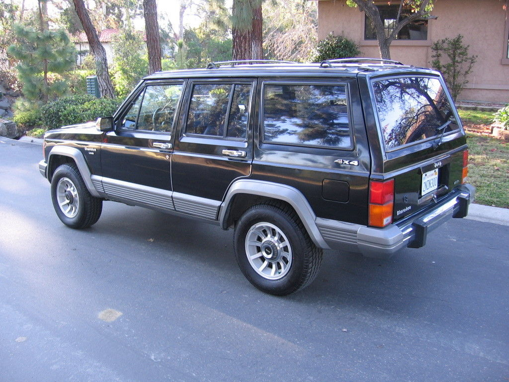 1989 jeep cherokee laredo 4x4 rare garaged babied 138k driving mi 2nd owner nr. Black Bedroom Furniture Sets. Home Design Ideas