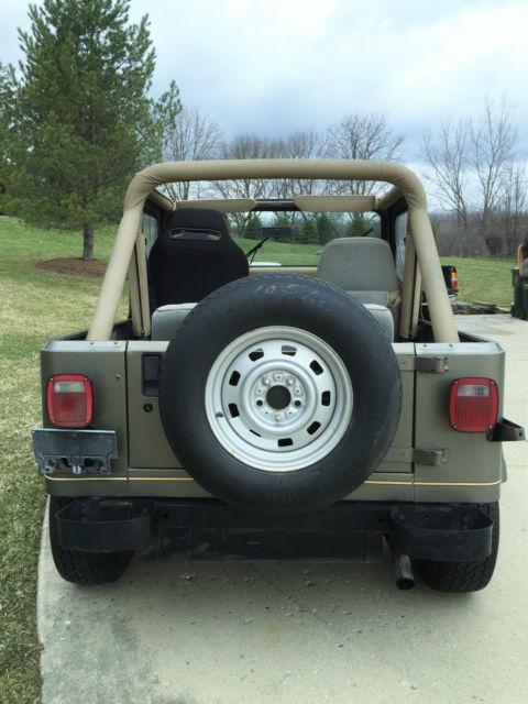1989 jeep wrangler yj sahara 4x4 4 2l inline 6 cylinder hard top plow. Black Bedroom Furniture Sets. Home Design Ideas