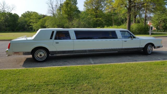 1989 Lincoln Town Car Stretch Limousine 18k Miles