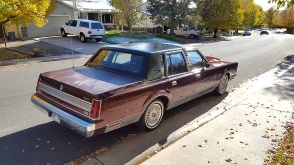 1989 Maroon Lincoln Town Car