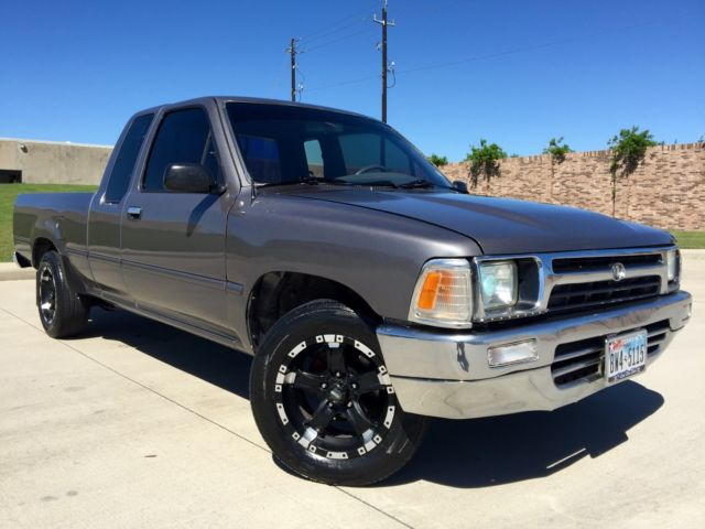 1989 Toyota DLX Pickup 2WD, 2.4L, 4Cyl, 22R Engine, Only ...