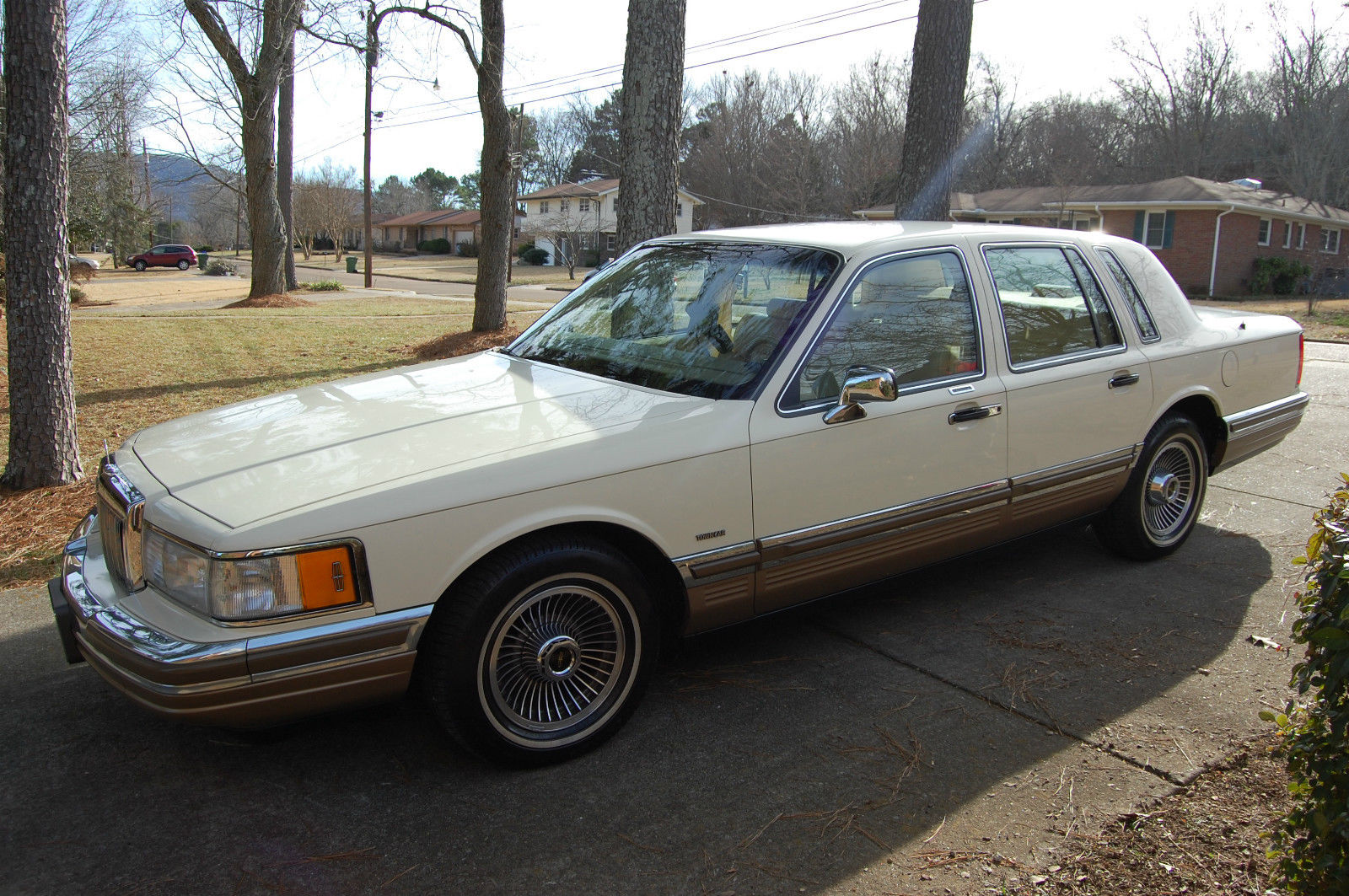 1990 Lincoln Town Car 55 600 Miles One Owner