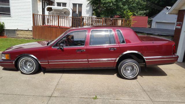 1990 Lincoln Town Car Lowrider Clean
