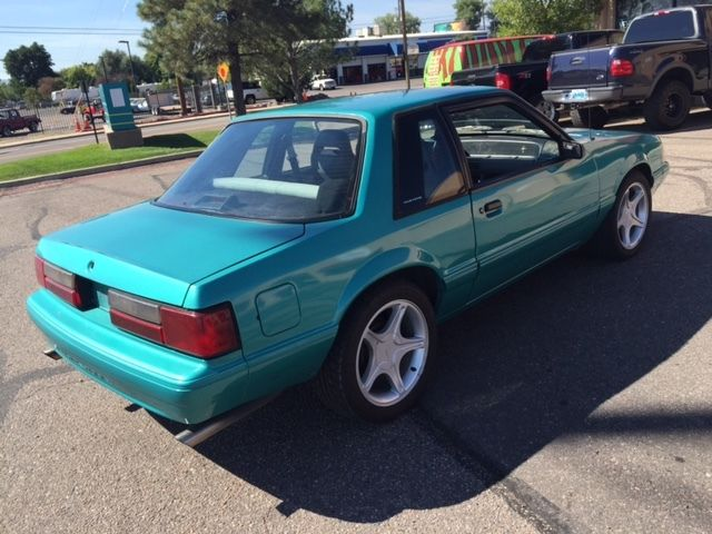 1991 ford mustang lx sedan 2 door 5 0l bright green. Black Bedroom Furniture Sets. Home Design Ideas