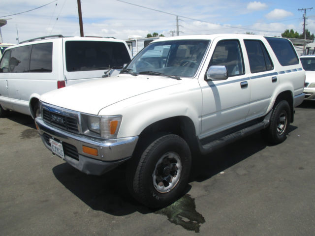 1991 toyota 4runner sr5 sport utility 4 door 3 0l no reserve. Black Bedroom Furniture Sets. Home Design Ideas
