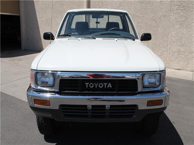 1991 toyota deluxe 4x4 only 21 000 original miles for Perry motors bishop california