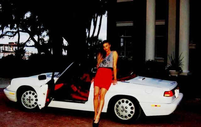 1991 White/Red Alfa Romeo Spider Classic 5 Speed