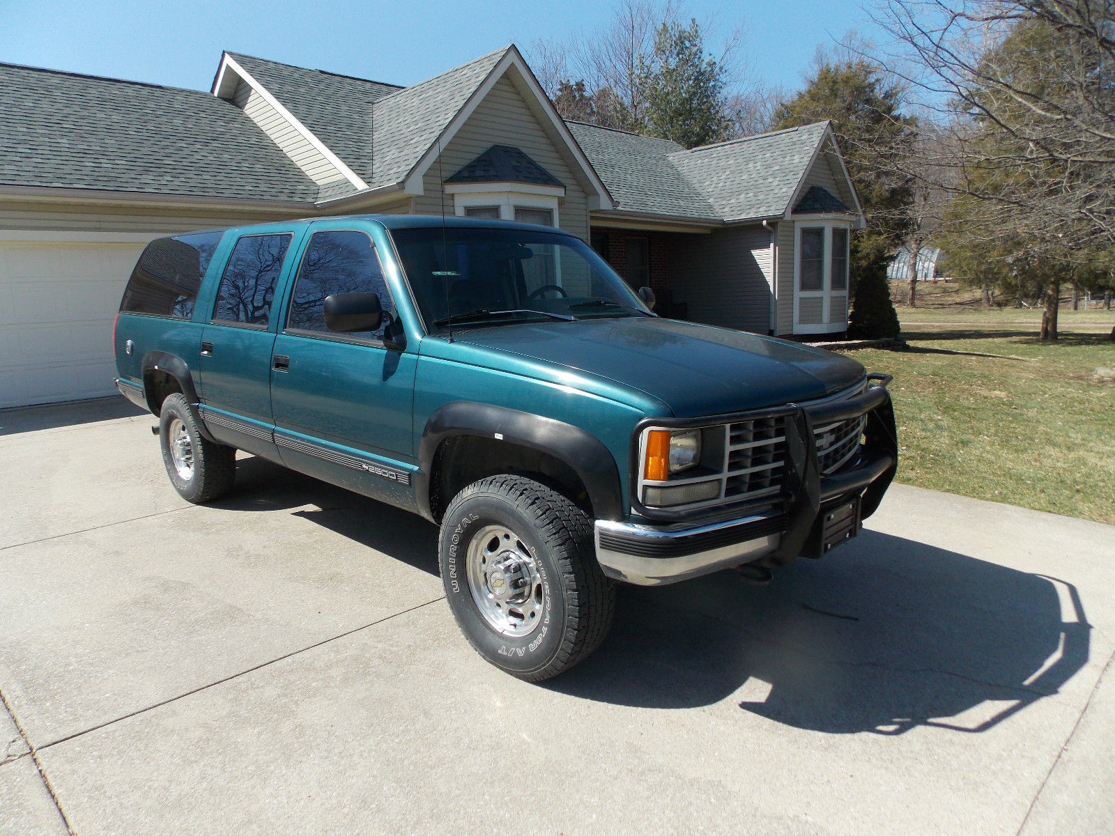 1992 chevy suburban 2500 4x4 great miles mildly used. Black Bedroom Furniture Sets. Home Design Ideas