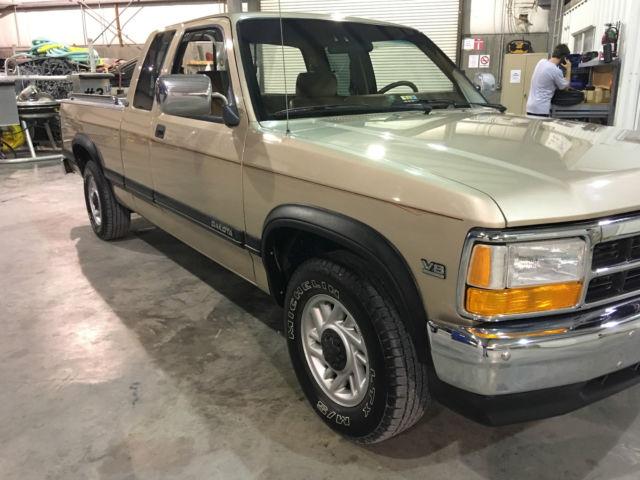 Dodge Dakota Le Extended Cab Pickup Door L Restored New Condtion on 1992 Dodge Dakota Gas Mileage