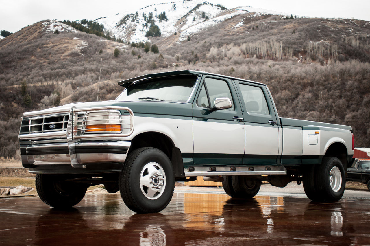 1992 ford f 350 xlt 4wd diesel crew cab 5 speed clean carfax k new paint for sale in salt. Black Bedroom Furniture Sets. Home Design Ideas