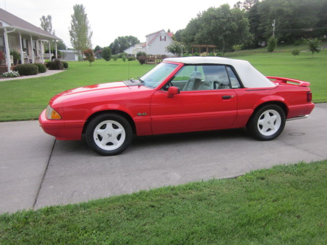 1992 Ford Mustang LX Convertible 2-Door 5 0L