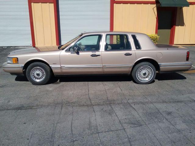 1992 Lincoln Town Car Signature Series 59k Original Miles