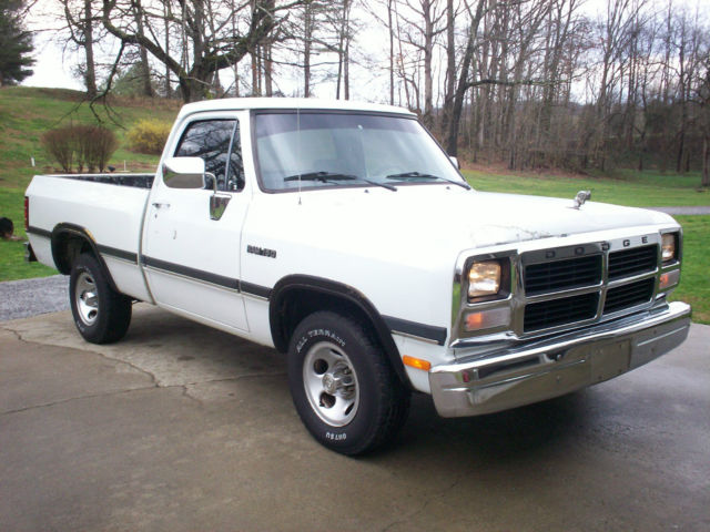 1993 dodge ram d150 318 magnum 5 speed manual shortbed. Black Bedroom Furniture Sets. Home Design Ideas