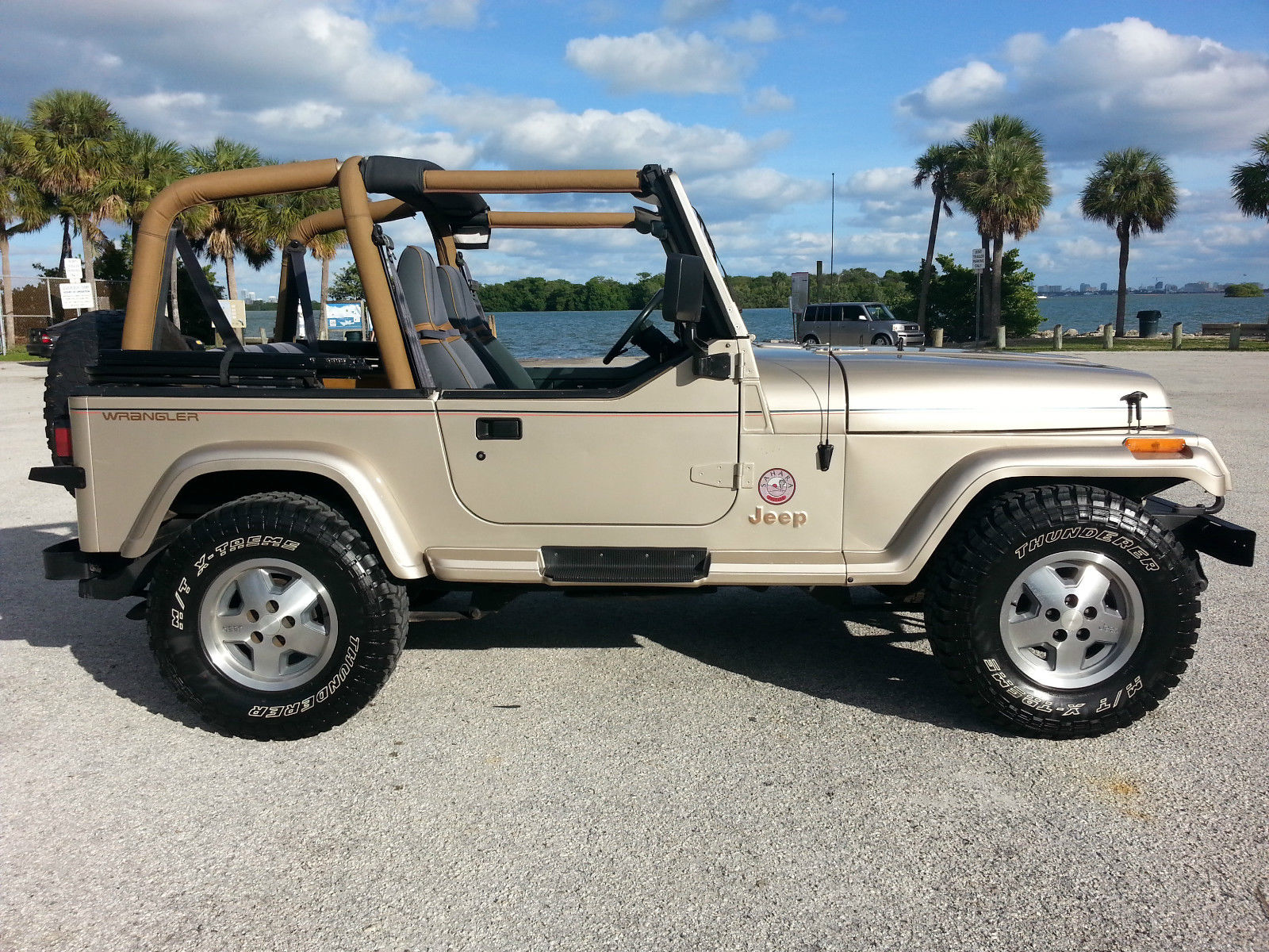 1993 jeep wrangler sahara sport utility 2 door 4 0l one owner florida jeep. Black Bedroom Furniture Sets. Home Design Ideas