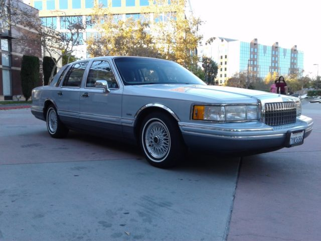 1993 Lincoln Town Car Cartier Edition One Owner
