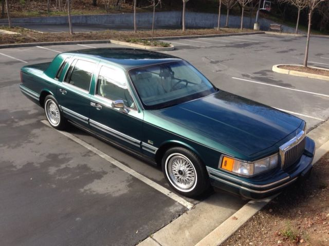 1993 lincoln town car signature series jack nicklaus edition 46 000 miles. Black Bedroom Furniture Sets. Home Design Ideas