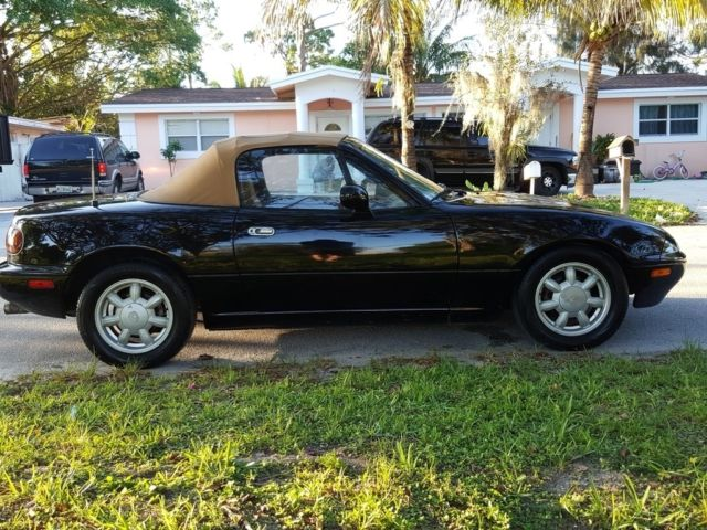 1993 mazda mx 5 miata 5 speed manual convertible 1992 1991 1994 1995 rh classicvehicleslist com 1992 Mazda RX-7 1992 Mazda RX-7