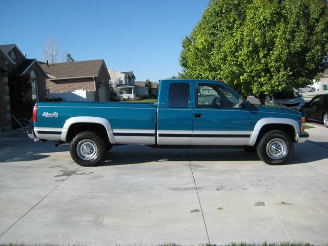1994 Chevrolet K2500 Silverado Extended Cab Pickup 2-Door 7.4L
