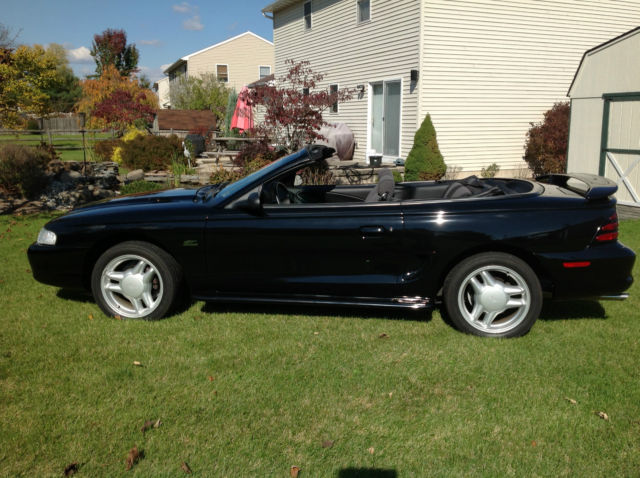 1994 ford mustang gt convertible with only 8000 original miles. Black Bedroom Furniture Sets. Home Design Ideas