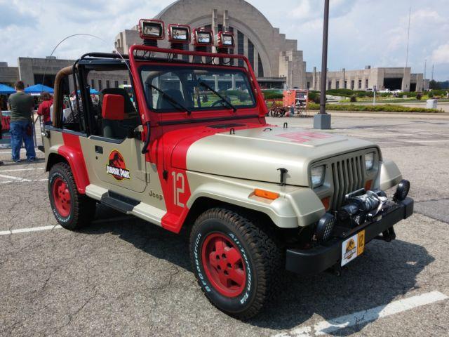 1994 Jeep Wrangler Sahara Jurassic Park Replica 12