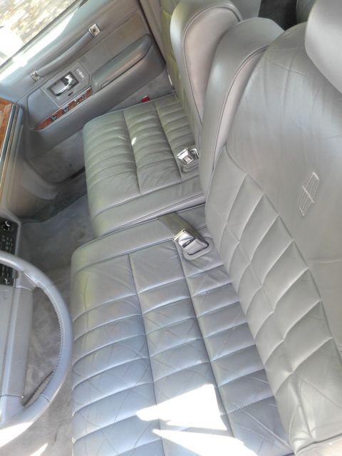 1994 lincoln town car executive series 4 door sedan. Black Bedroom Furniture Sets. Home Design Ideas