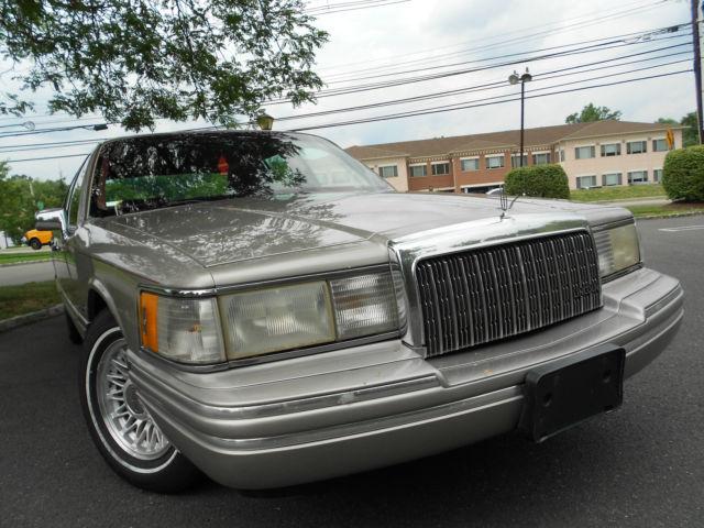 1994 Lincoln Town Car Signature Sedan 4 Door 4 6l