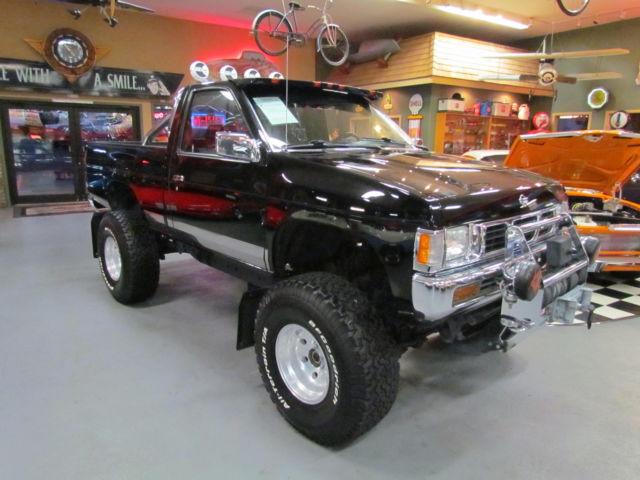 1994 Nissan Hardbody 4x4 Lifted Factory Black Low Miles