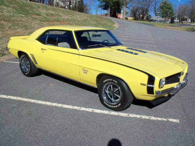 69 camaro ss 396 daytona yellow with houndstooth int