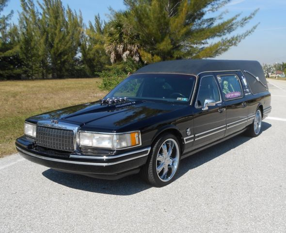 Beautiful Custom Lincoln Hearse Town Car Funeral Hot Rod Wagon