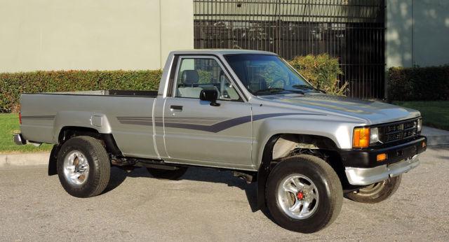 california original 1987 toyota pickup 4x4 100 rust free 118k orig miles a. Black Bedroom Furniture Sets. Home Design Ideas