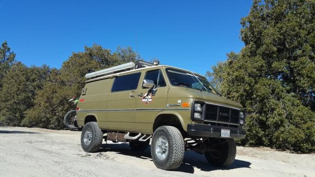 Chevy G 30 Equal Heavy Duty Movie Prop Communications Mod