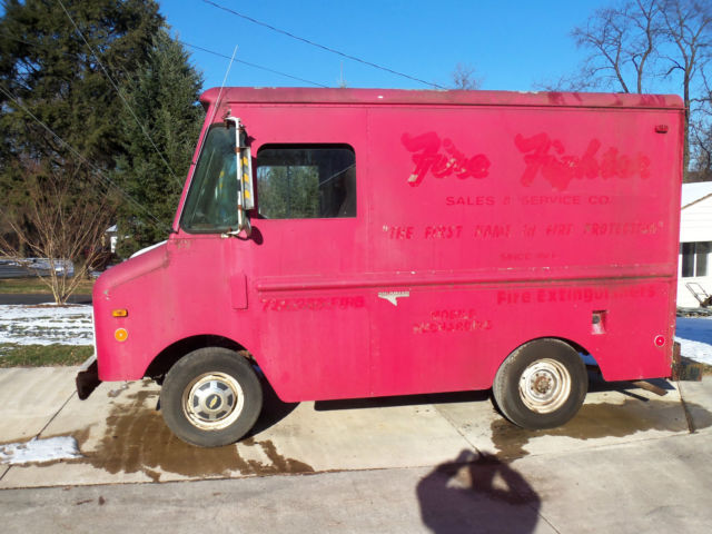 Chevy Grumman Shorty Step Van / Hot Rod