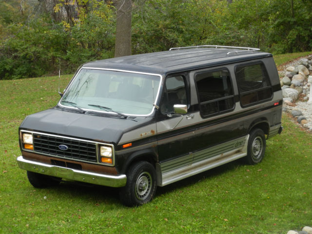 FORD Econoline E150 DMC Conversion Van