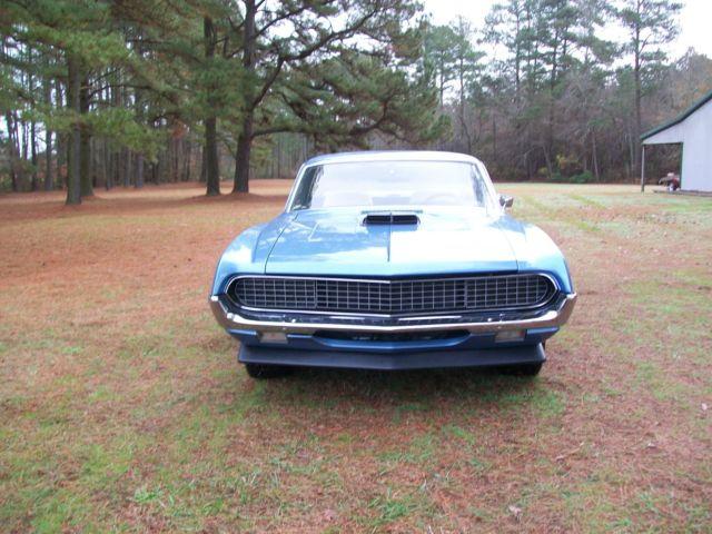 Ford Ranchero Shaker hood,Hideaway headlights,4-speed