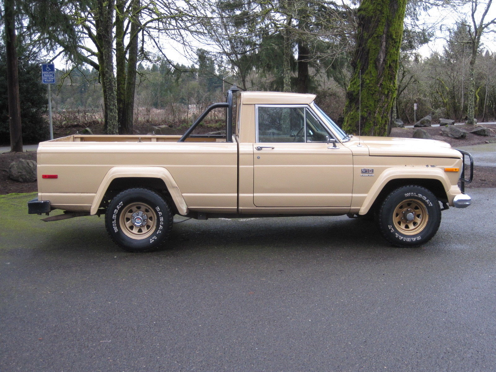 jeep 1978 j10 j 10 golden eagle 401 shortbed 4x4 rust free original truck levi 39 s. Black Bedroom Furniture Sets. Home Design Ideas